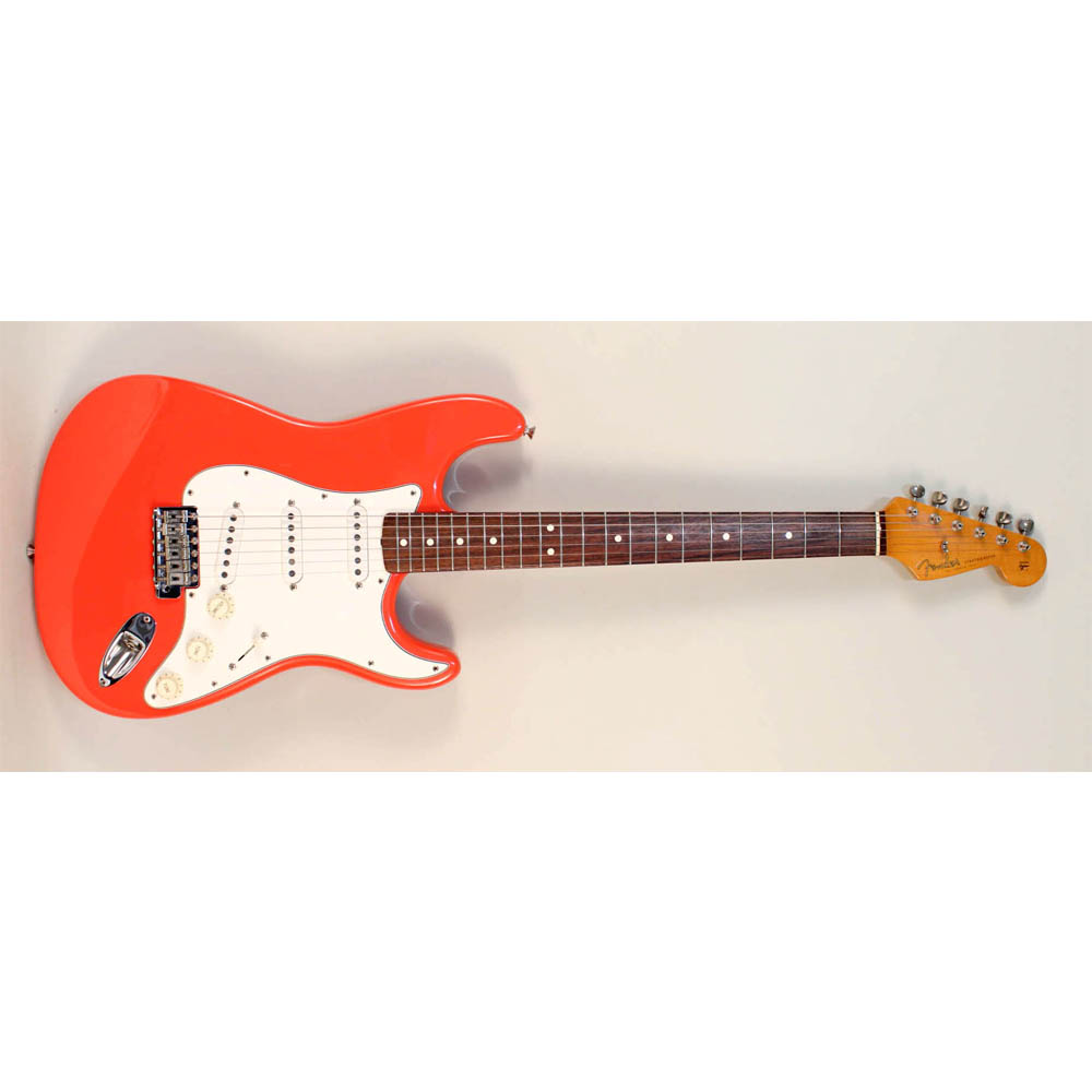 Lot 96 - A cased Fender Stratocaster electric guitar, Estimate £700-900