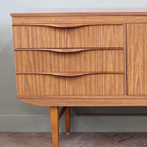 The Vintage Auction -  Mid 20th Century Homewares, Furniture and Fashion
